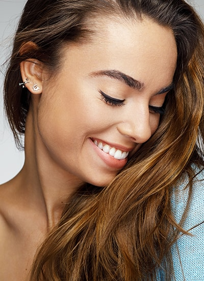 Cosmetic dentistry Lakewood Ohio is the key to opening your confidence.